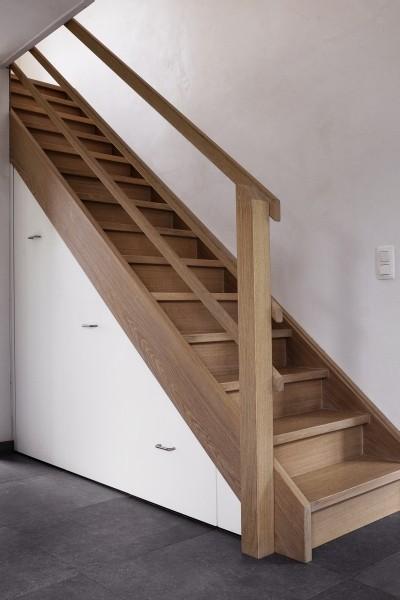 Dressing et placard sous escalier