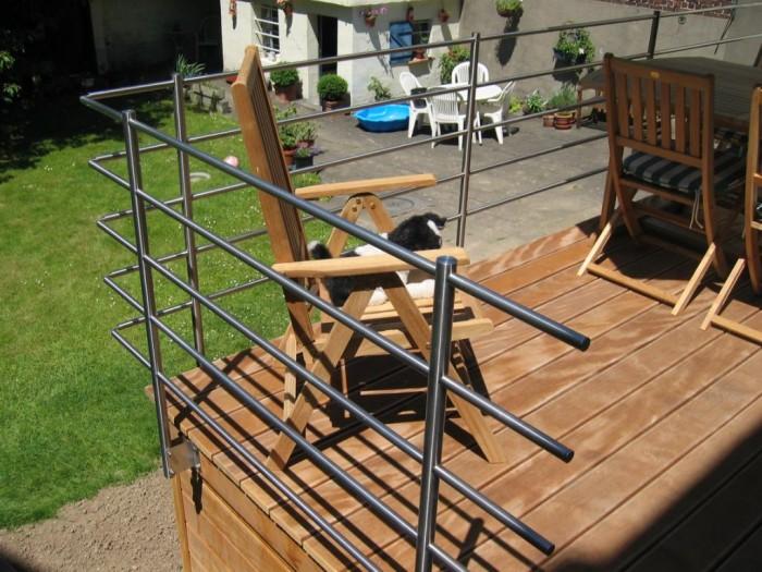 Terrasse avec escalier et garde corps