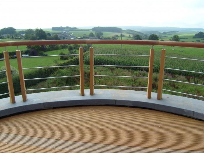 Terrasse avec garde corps