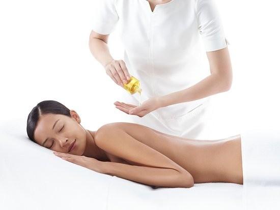 Massage Clarins pour dames et hommes