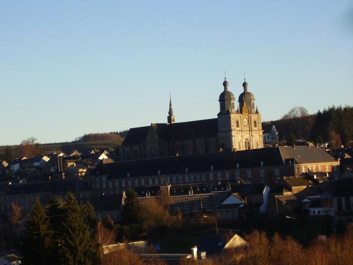 L'abbatiale au centre du monastère