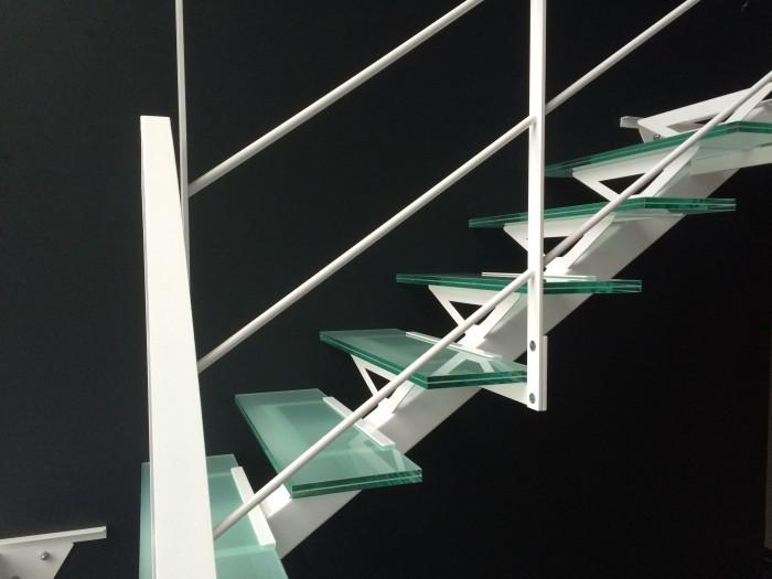 Escalier Limon central carré