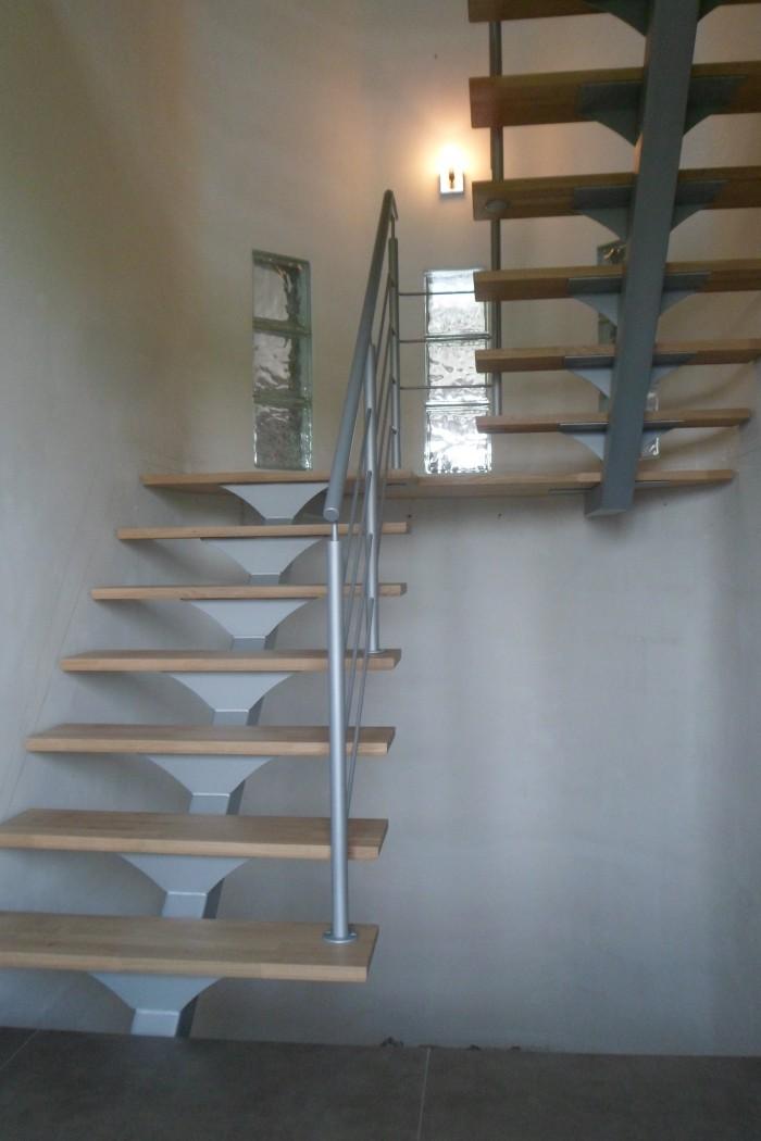 Escalier limon support marche bois