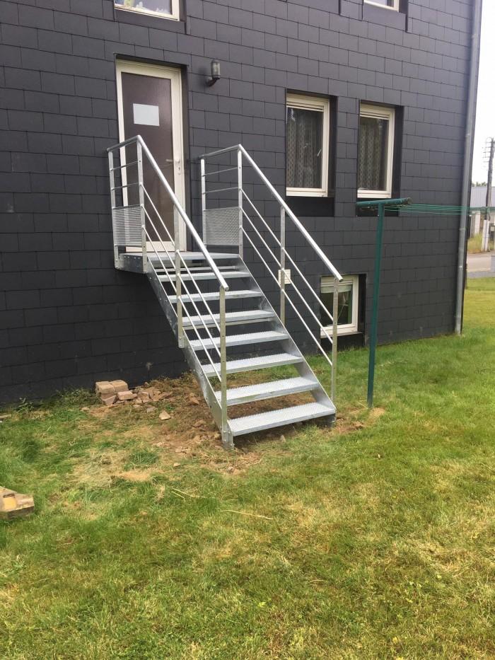 Escalier de secours marche antidérapante