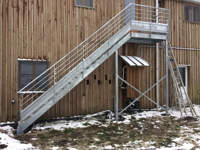 Escalier + palier industriel galvanisé
