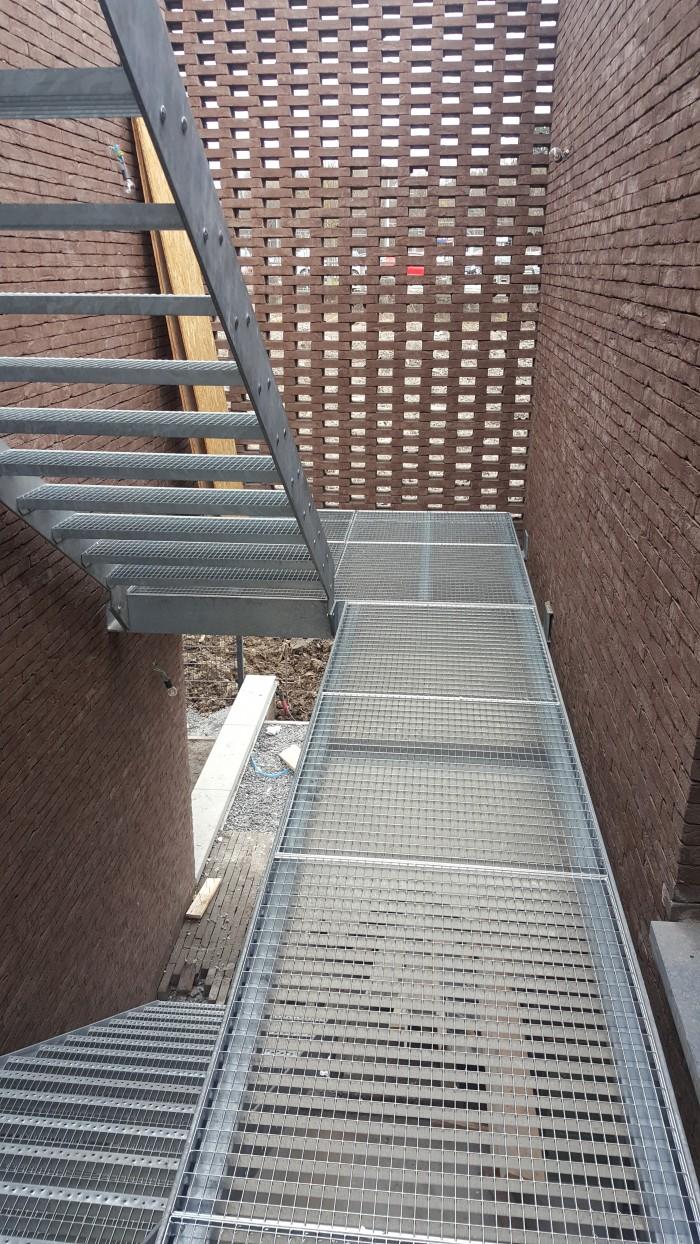 Escalier + Passerelle acier galva