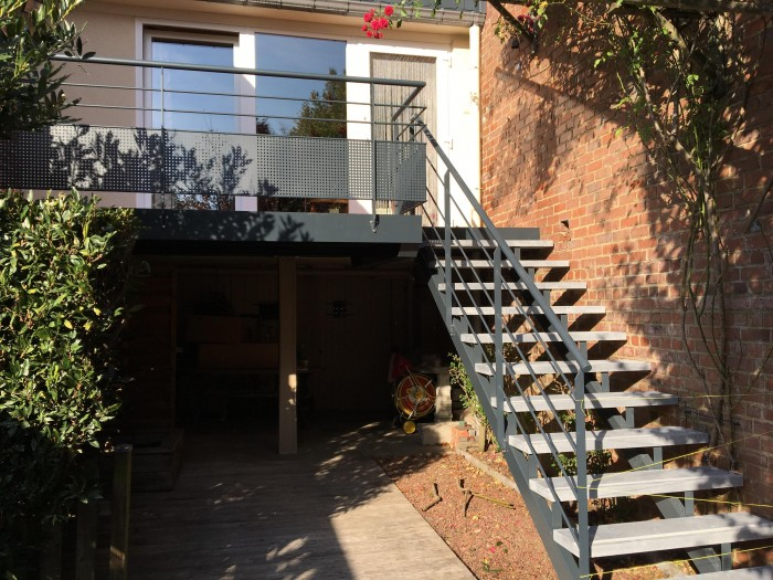 Terrasse acier thermolaqué + escalier