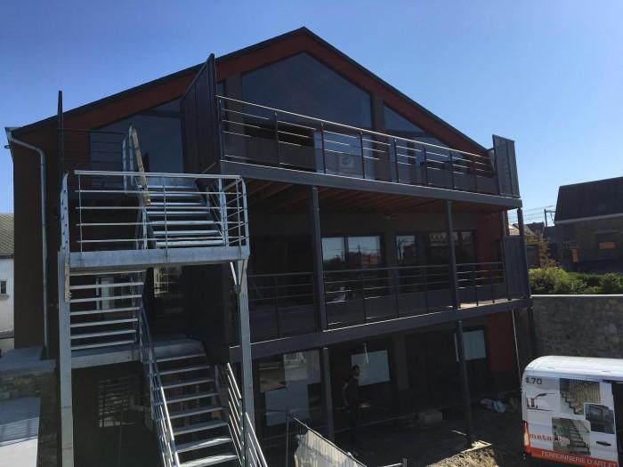 Terrasse + escalier galva et thermolaqué