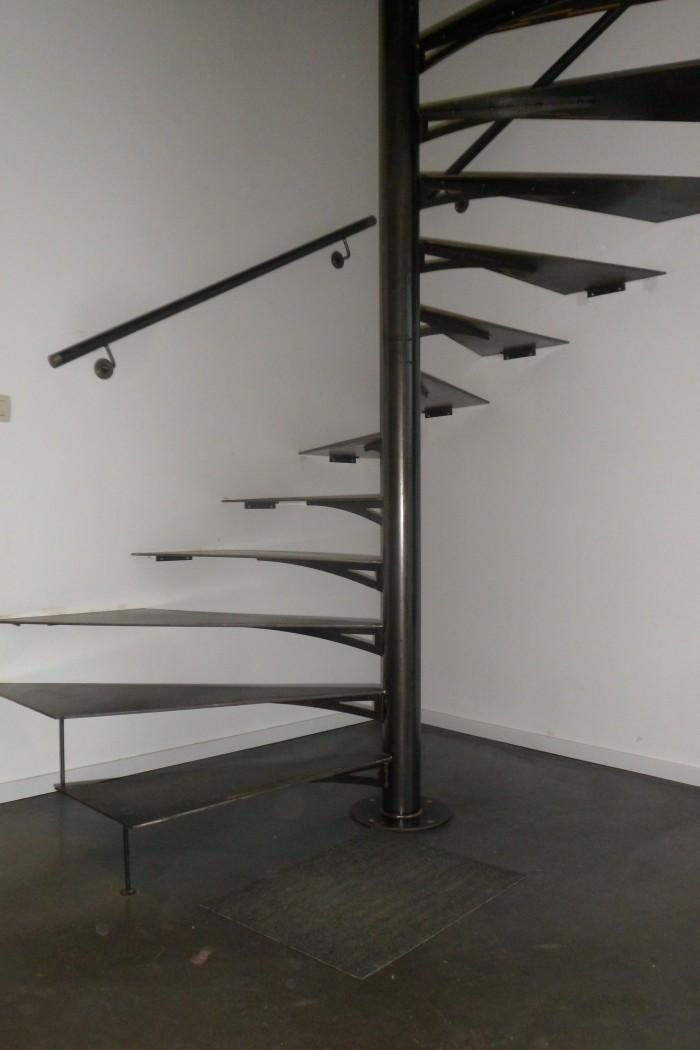 Escalier acier brut Marches en tôle