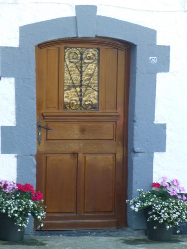 Porte d'entrée d'une habitation clasée