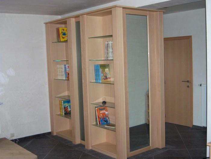 Bibliothéque et vestiaire en hêtre