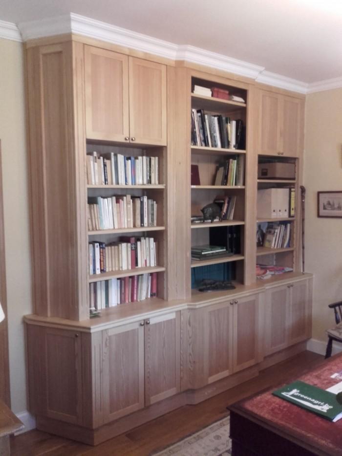 Bibliothéque en Mélèze
