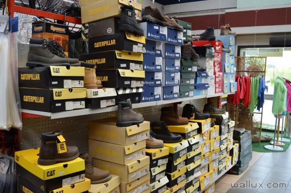 Vêtements et chaussures - 4