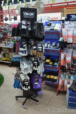 Vêtements et chaussures - 12