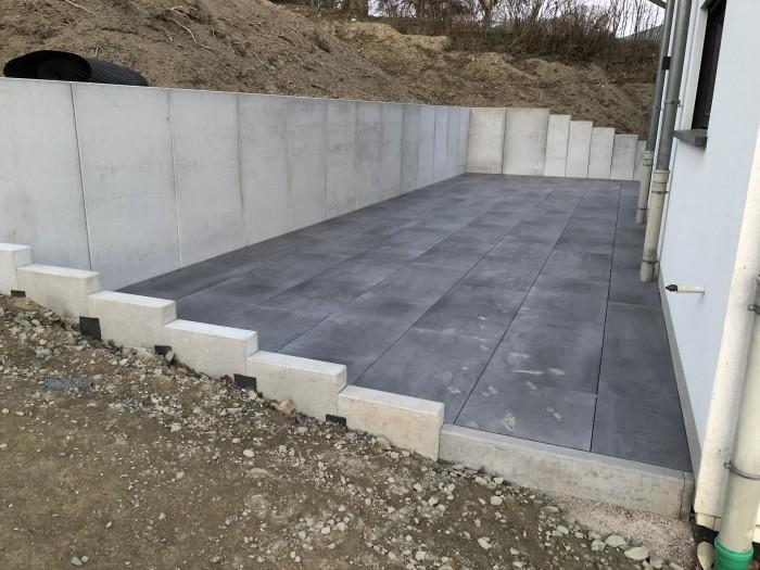 Murs en béton et création de terrasses