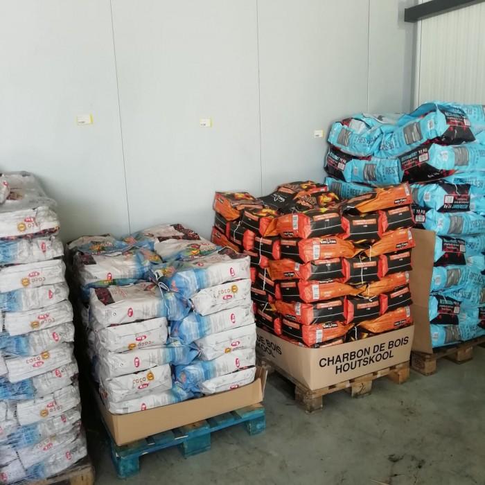 Charbon de bois et briquettes de coco